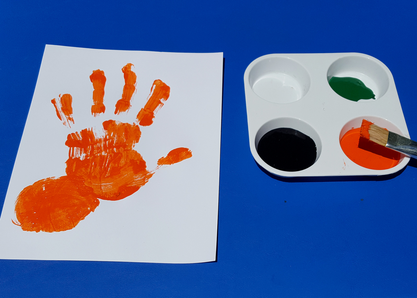 Wild Crafts: Make a Handprint Tiger